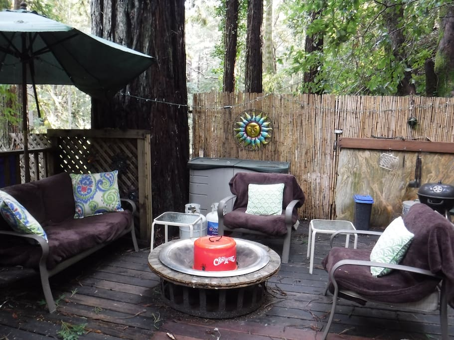 Firepit area of front deck.