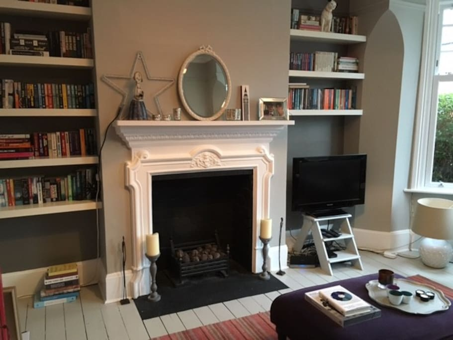 Fireplace in sitting room.