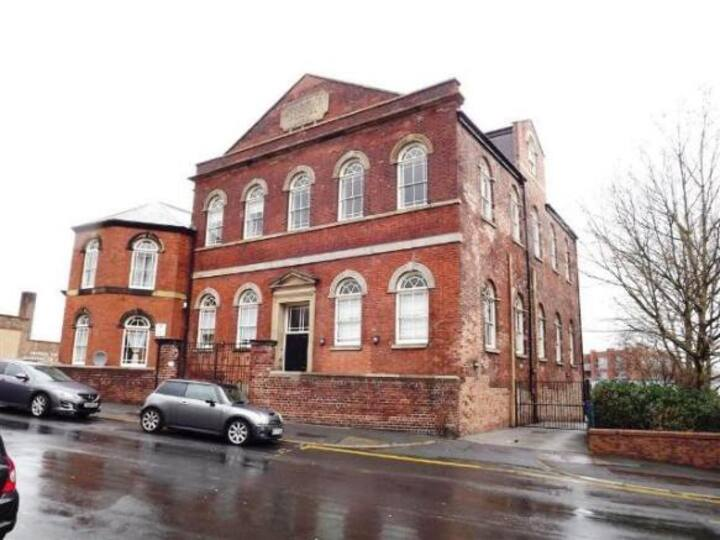 Charming Chapel Conversion Sheffield City Centre
