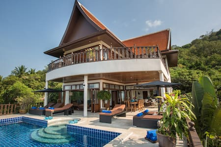 Peaceful 4BR Seaview Private Villa w/ Cinema & Gym