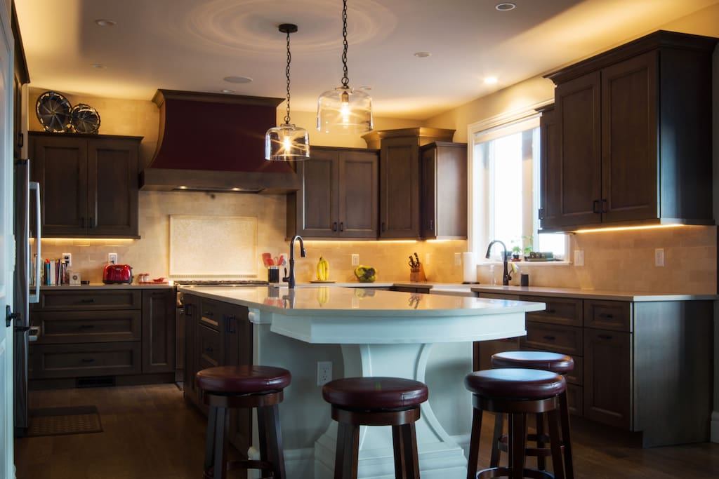 Fully equipped kitchen including 2 dishwashers and a 6-burner gas range