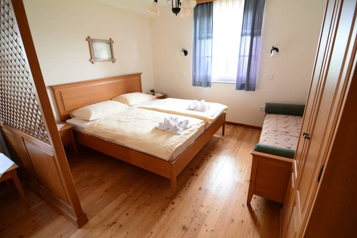 Double room with extra bed in Jeruzalem 2