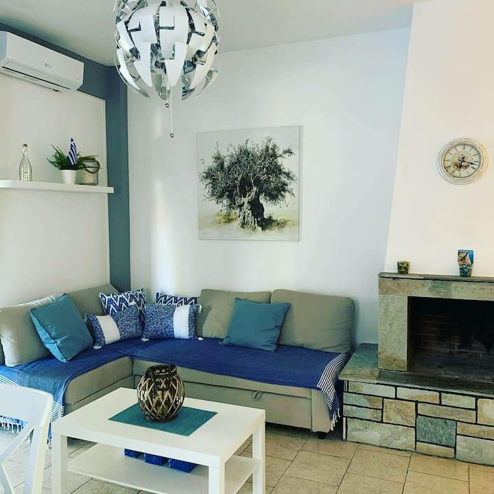 Lux&comfort family apartment in quite Nea Flogita