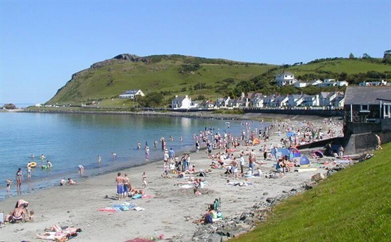 Stunning views, Beach, Golf, Antrim Coast rd Relax