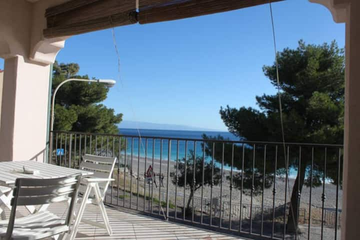 On The Beach Taormina Dual