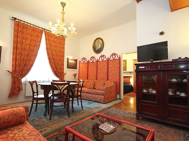 Bohemia Apartment in Old Town