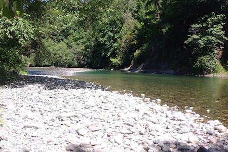 Fisherman's Riverfront Haven $92 - Duncan