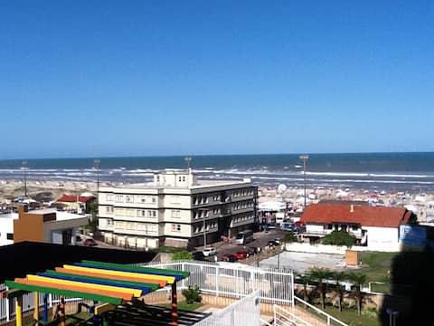 Linda vista junto ao mar,centro, garagem,camareira