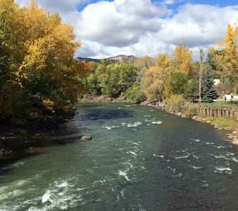 2 blocks to grocery market, 2 mi. to downtown Durango, 2.7 mi. to Hill Crest Golf course to do some cross country skiing, snow shoe - minutes to hiking trails, 7.2 mi. to Trimble Hot Springs to soak, 26 mi. to Purgatory ski area,    Great Location