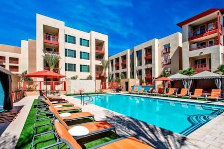 Luxury Resort-Style 1 BR Uptown Phoenix - 鳳凰城