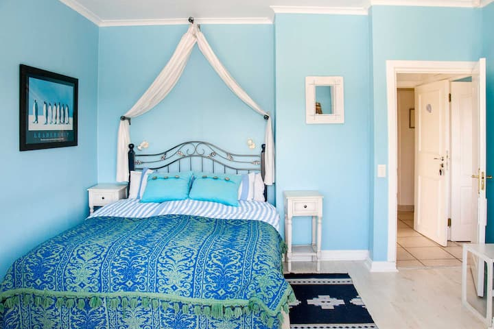 VonAbercronResidence - Blue Ocean Suite