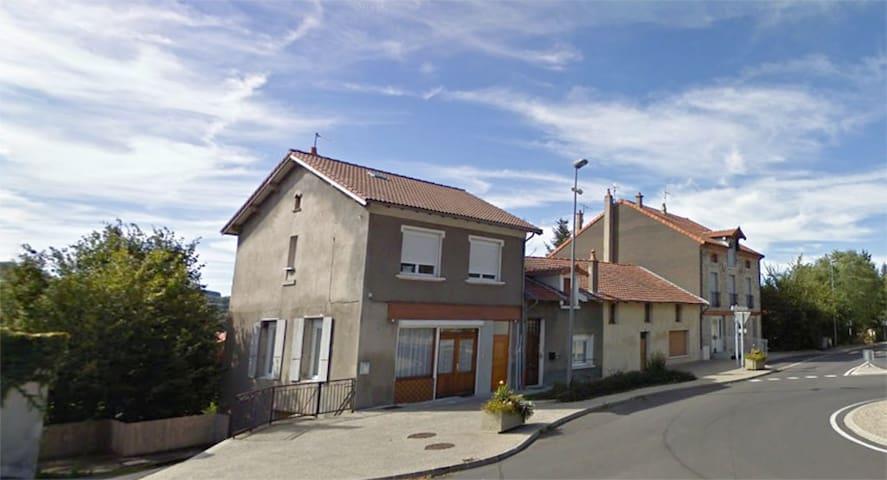 Gîtes  petite maison dépendante - Le Monastier-sur-Gazeille - House