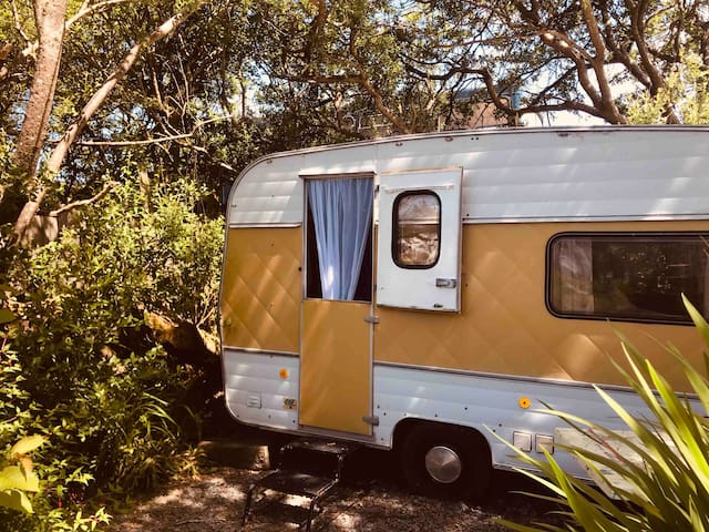 3 retro caravans for rent on the Skelligs ring