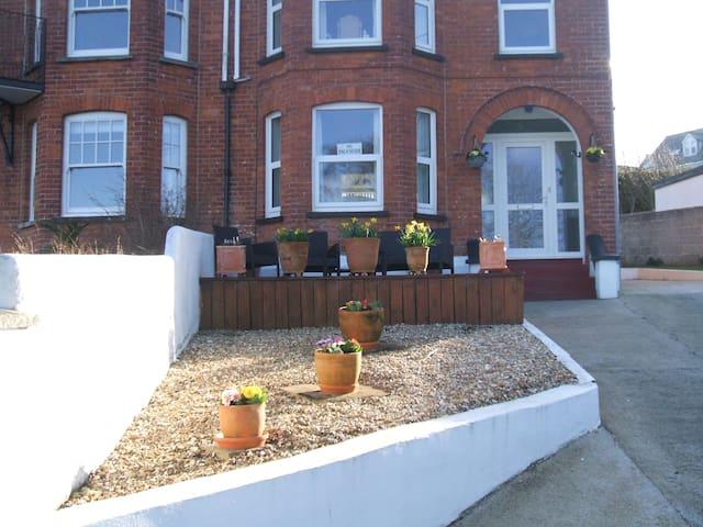 10 Treverbyn Road B&B - Estuary Room