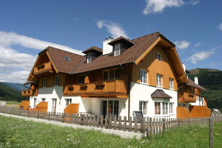Comfortable appartment located at the edge of the village St. Margarethen.