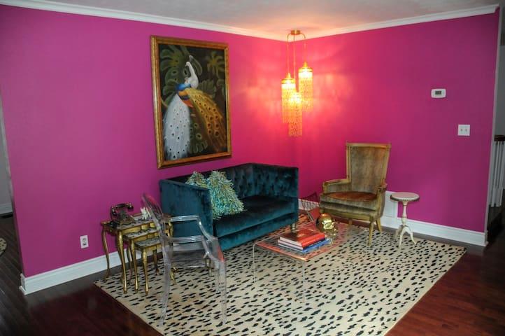 Salon (sitting room)