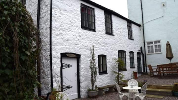Old Printers, charming cottage, town centre