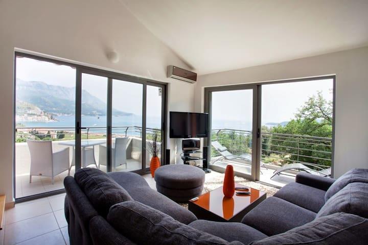 Beautiful view apartment - Bečići