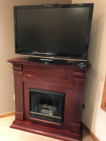 Flat screen TV with HD channels