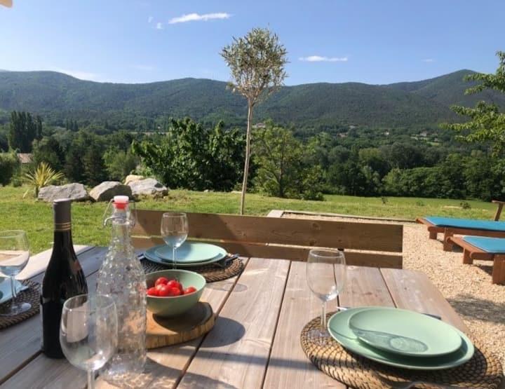 Villa en drome provençale,vue à 180° sur la nature