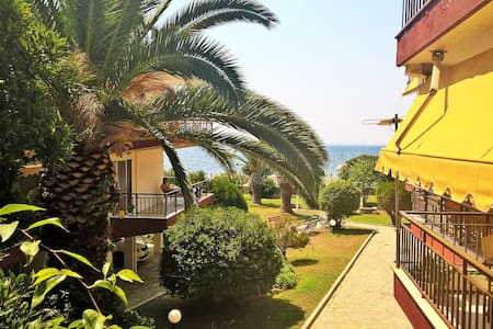 50 meters from the beach ! - Kalives Poligirou