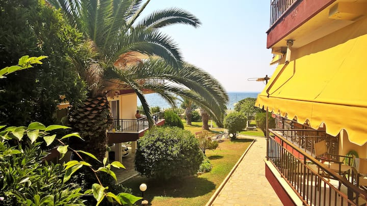 50 m. from the beach + Wifi + Netflix +Parking!