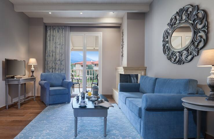 Premium Suite with Mountain View - Kyniska Palace