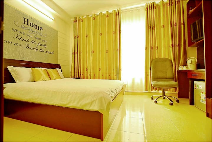 H> Central Bright 2BR Apt + Breakfast - Ho Chi Minh City - House