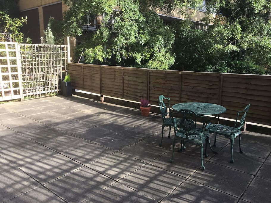 Huge Private patio ( Table with 3 chairs )