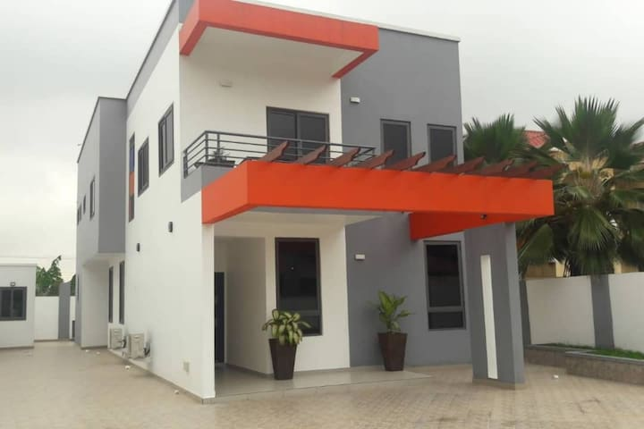 Nicely Furnished 4 bed house near Trasacco