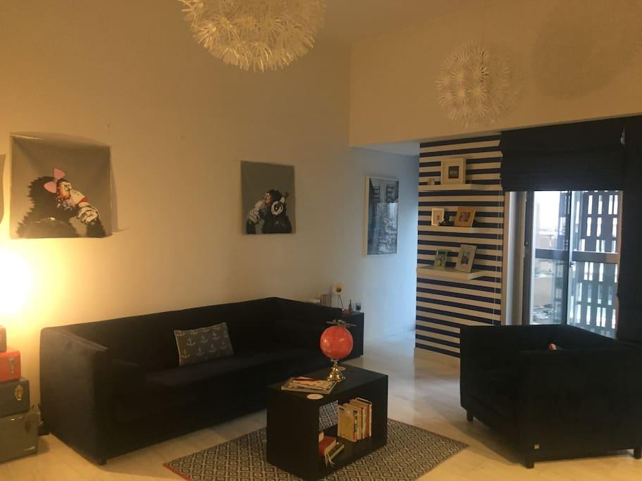 Living area & balcony