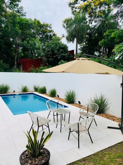 Hermosa casa familiar en San Bernardino, Paraguay.