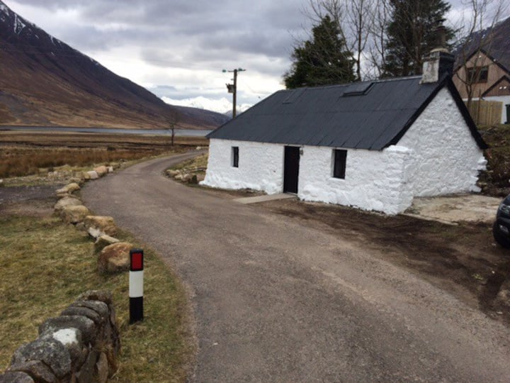 Glencoe Gualachulain Bothy, Glen Etive