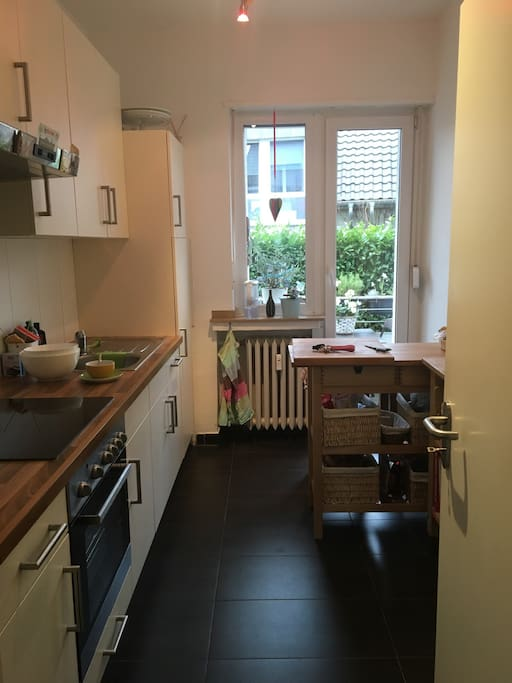 Das ist unsere kleine, aber feine Küche in der man alles findet