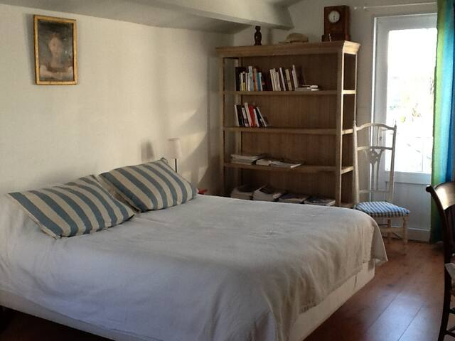 Chambre confortable chez l'habitant - Ile d'Yeu - Penzion (B&B)
