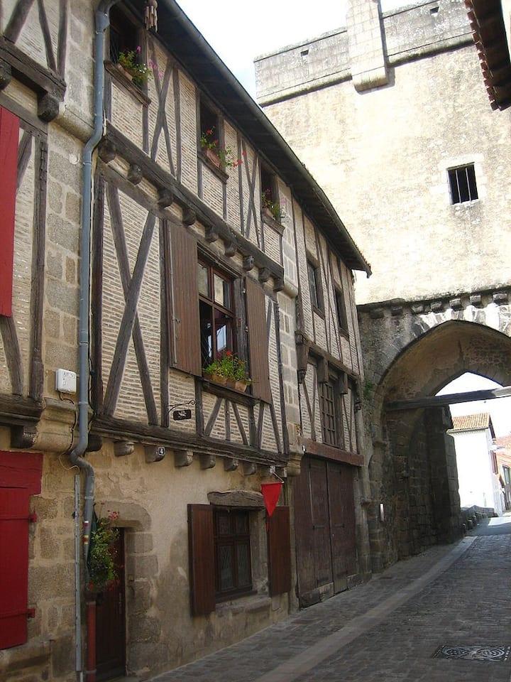 Maison de caractère au cœur du quartier médiéval
