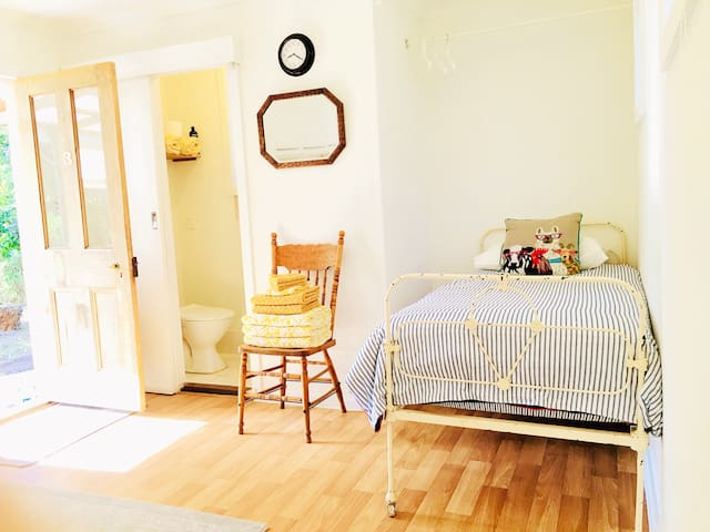 This is the super comfortable single bed in Rose cottage.