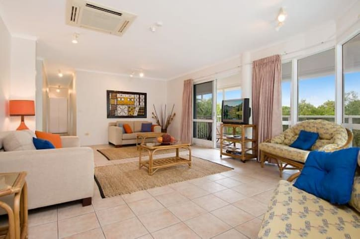 Palm Cove Family Accommodation