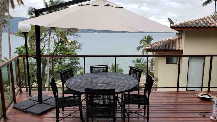 Casa Ilhabela - frente p/mar - 30 mts dá praia