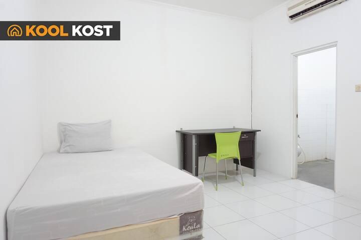 KoolKost Single Room Near UPH