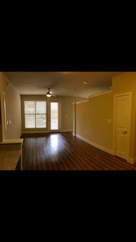 Luxury Furnished Studio Apartment - Cedar Park