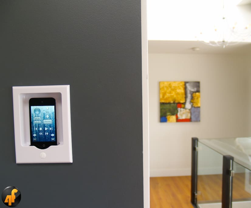 The house is easily controlled by your smartphone. Supporting iPhone and Android devices