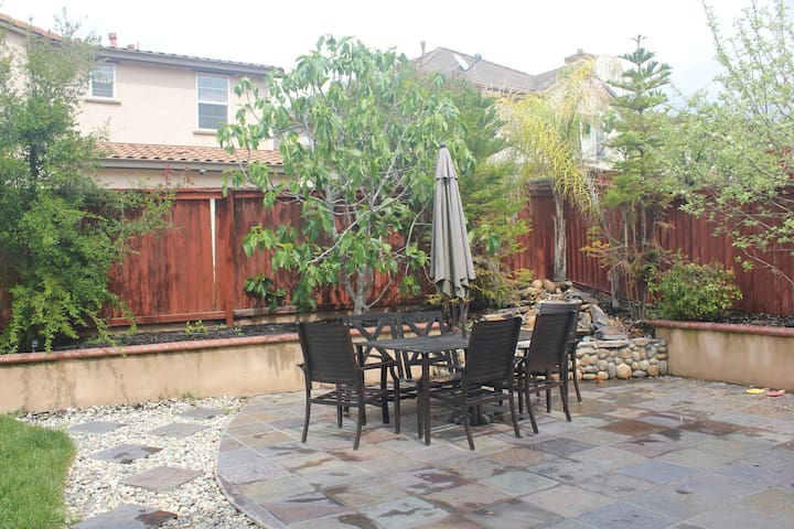 Private Bed and Bath in Upscale House - San Ramon - Hus