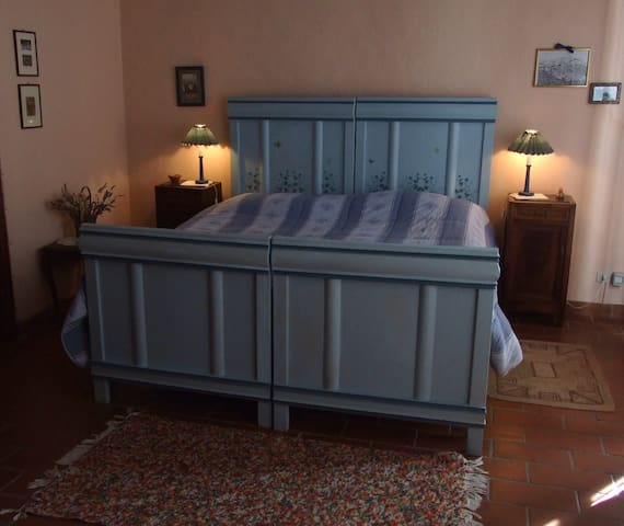 Una casa in collina - Vignale Monferrato - Bed & Breakfast