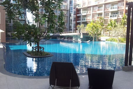 2 BR BEACH APPARTMENT SEACRAZE - Nong Kae - Apartment