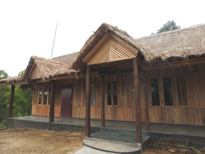 Trep Skum Bamboo Cottage (Wood Cabin I)