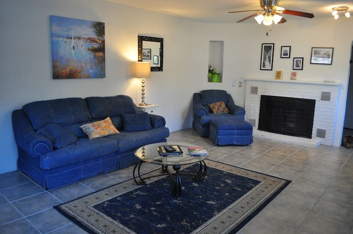 The Yulee Clean and comfortable woodsy ranch