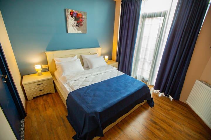 Room 1, 1st floor -  25 m2 (incl. balcony) max. 2 persons