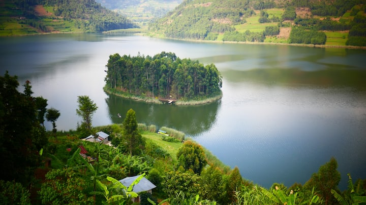 Entire Island for Secluded Getaways, Lake Bunyonyi