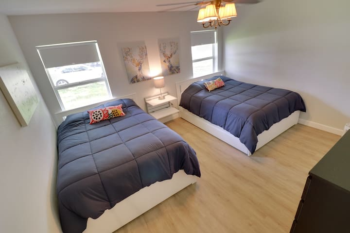 3rd Bedroom with a Queen and Full bed